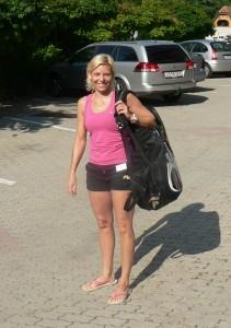 Dakó Andi vagyok, Barcelonai Olimpia első adogatását én ütöttem. 10x-es magyar bajnok egyénibe, és párosban egyaránt. Tollaslabda edzéseket tartok és igyekszem minden fontos mozzanatot megtanítani növendékeimnek.